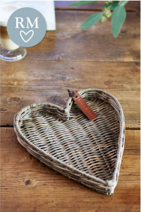 Tacka Rustic Rattan Heart Mini Tray